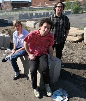 Yo La Tengo Announces <em>Wheel of Fortune</em>-esque Tour