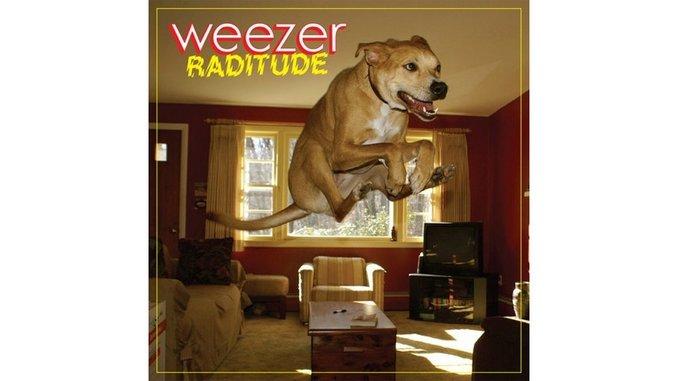 Weezer: <em>Raditude</em>