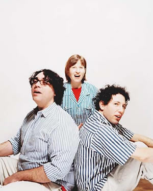 "Watch Yo La Tengo Cover Times New Viking's ""Move to California"""