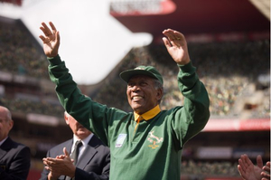 Nelson Mandela Endorsed Morgan Freeman 15 Years Ago for <em>Invictus</em>