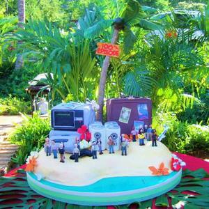 A <em>Lost</em> Cake Google Image Slideshow: Because, Why Not?