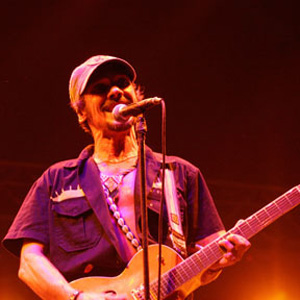 Manu Chao Kicks Off Short West-Coast Tour Tomorrow