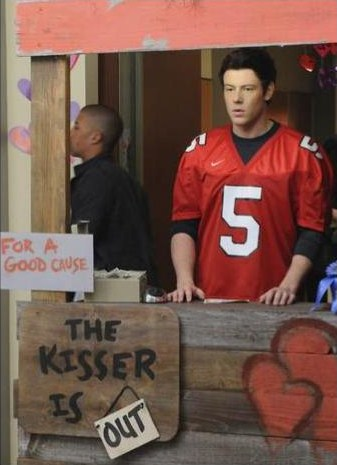 """<em>Glee</em> Review: """"Silly Love Songs"""" (Episode 2.12)"""