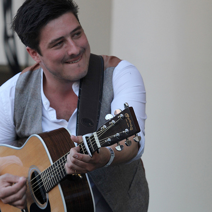 Watch Mumford & Sons Perform a New Song