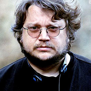Guillermo del Toro Writing <i>Pacific Rim</i> Sequel