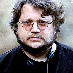 Guillermo del Toro Writing <i>Pacific Rim</i> Sequel