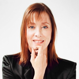 Suzanne Vega Gets Theatrical