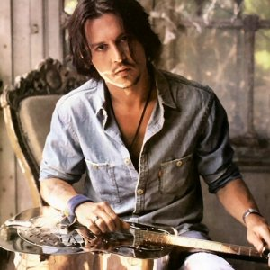 Watch Johnny Depp Play Guitar For Alice Cooper