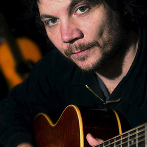 Watch Jeff Tweedy Perform a New Wilco Song