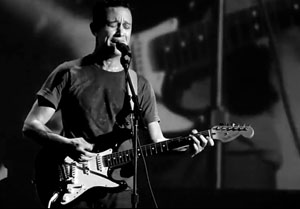 Watch Joseph Gordon-Levitt Perform Surprise Nirvana Cover