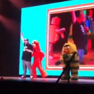 Watch Fucked Up's Damian Abraham Dance on <i>Yo Gabba Gabba!</i>