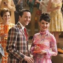 "<i>Mad Men</i> Review: ""A Little Kiss"" (Episode 5.01)"