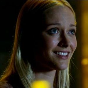 "<i>Fringe</i> Review: ""The Bullet That Saved The World"" (Episode 5.04)"