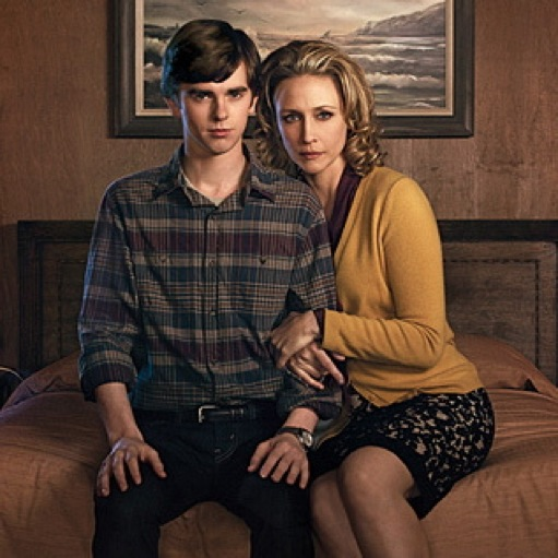 "<i>Bates Motel</i> Review: ""First You Dream, Then You Die"" (Episode 1.01)"