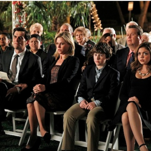 "<i>Modern Family</i> Review: ""Goodnight Gracie"" (Episode 4.24)"