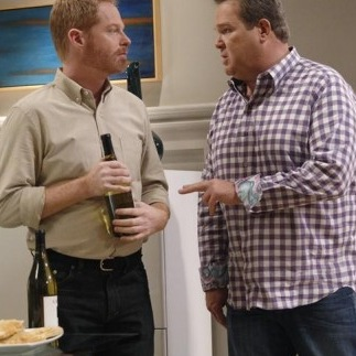 "<i>Modern Family</i> Review: ""The Help"" (Episode 5.06)"