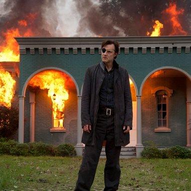"<i>The Walking Dead</i> Review: ""Live Bait"" (Episode 4.06)"