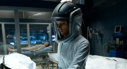 "<i>Helix</i> Review: ""Pilot""/""Vector"" (Episodes 1.01/1.02)"