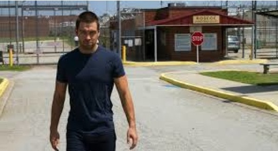 "<i>Banshee</i> Review: ""Little Fish"" (Episode 2.01)"