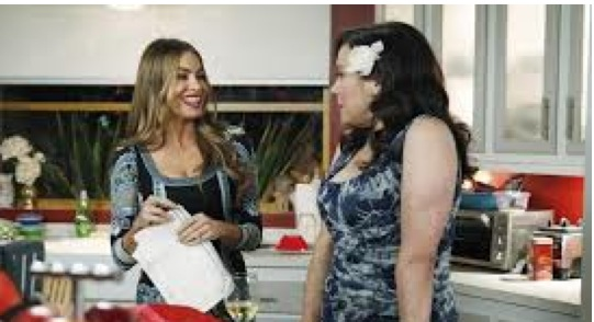 """<i>Modern Family</i> Review: """"Three Dinners"""" (Episode 5.13)"""