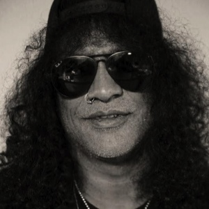 Slash: On Tech, Solos, Movies and Dinosaurs