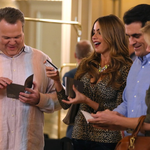"<i>Modern Family</i> Review: ""Las Vegas"" (Episode 5.18)"