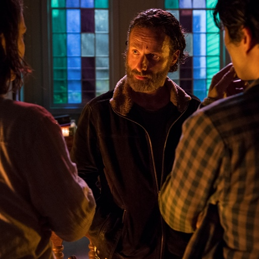 "<i>The Walking Dead</i> Review: ""Four Walls and a Roof"""