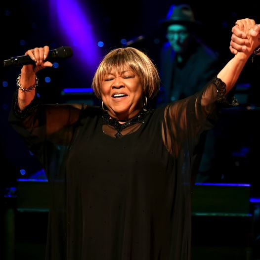 """Watch Jeff Tweedy, Win Butler and Others Join Mavis Staples Live on """"The Weight"""""""