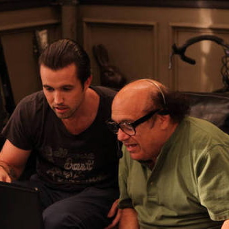 "<i>It's Always Sunny in Philadelphia</i> Review: ""Charlie Rules the World"" (Episode 8.08)"