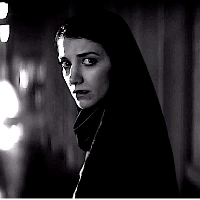 <i>A Girl Walks Home Alone at Night</i>