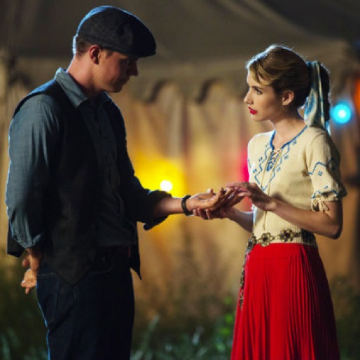 """<i>American Horror Story: Freak Show</i> Review: """"Pink Cupcakes"""""""