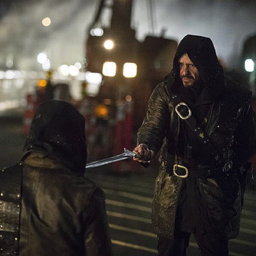 "<i>Arrow</i> Review: ""My Name is Oliver Queen"""