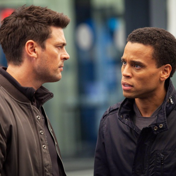 "<i>Almost Human</i> Review: ""Pilot"" (1.01)"