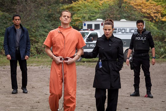 """<i>Almost Human</i> Review: """"Blood Brothers"""" (1.05)"""