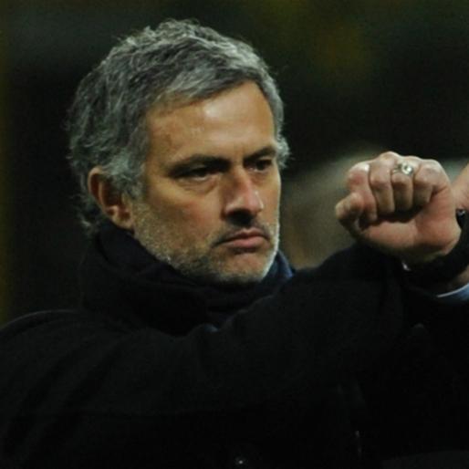 "José Mourinho Goes All ""Mean Girls"" On Rafa Benítez And His Wife"