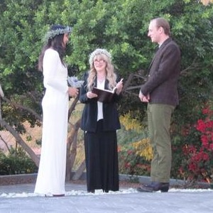 Stevie Nicks Officiates Wedding for Vanessa Carlton, Deer Tick's John McCauley