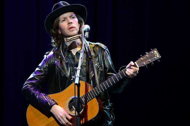 "Wilco, Beck Duet on ""Loser"" for the AmericanaramA Tour"