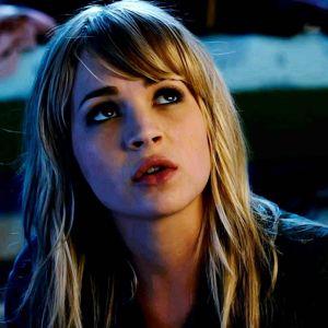 Britt Robertson Cast Opposite George Clooney in <i>Tomorrowland</i>