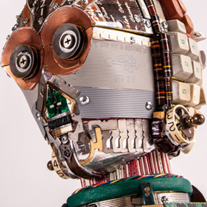Intricate <i>Star Wars</i> Busts Created From Tech Parts