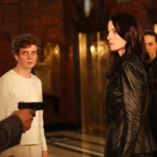 """<i>Continuum</i> Review: """"The Dying Minutes"""""""