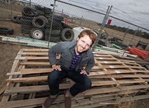 """CR Smith Wins HGTV and <i>Paste</i>'s """"Be the New Sound of HGTV"""" Contest"""