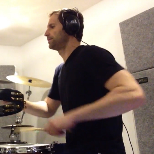"""Watch Chelsea Goalkeeper Petr Cech Cover """"Walk"""" by the Foo Fighters, on Drums"""