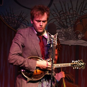 Chris Thile to Become New Host of <i>A Prairie Home Companion</i>, Replace Garrison Keillor