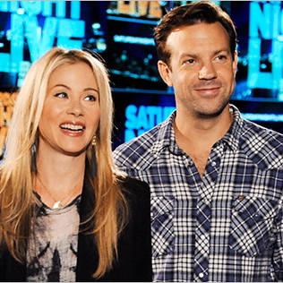 &lt;i&gt;Saturday Night Live&lt;/i&gt; Review: &quot;Christina Applegate/Passion Pit&quot; (Episode 38.4)