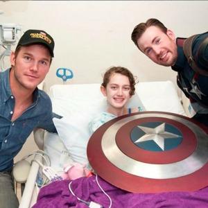 Chris Evans Dresses as Captain America for Children's Hospital Visit with Chris Pratt