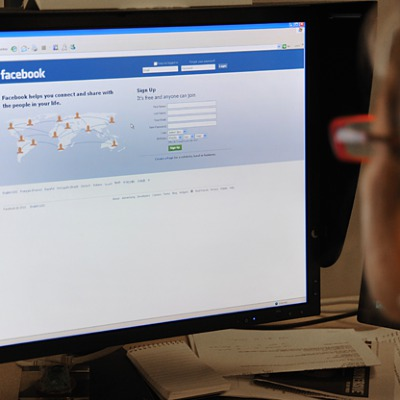 Pew Study Shows Many Facebook Users Leave for Weeks at a Time