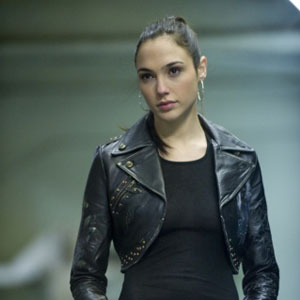 Gal Gadot to Play Wonder Woman in <i>Batman vs. Superman</i>