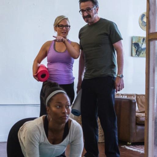 """<i>Maron</i> Review: """"Yoga Teacher"""""""