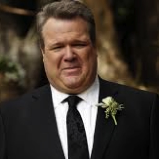 "<i>Modern Family</i> Review: ""The Wedding, Part 1"""