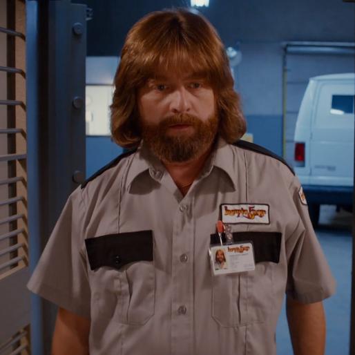 Zach Galifianikis and Kristen Wiig Get Illegal in <i>Masterminds</i> Trailer